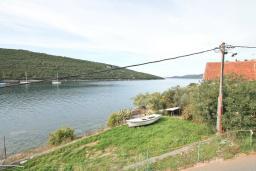 Вид на море. Черногория, Бигова : Апартамент с отдельной спальней, с большой террасой с шикарным видом на море, 20 метров до пляжа