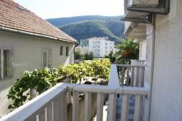 Балкон. Черногория, Игало : Студия c балконом для троих, 30 метров от моря