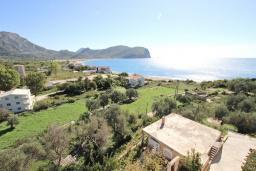 Вид на море. Черногория, Булярица : Апартамент для 8 человек, с большой гостиной, с 3-мя отдельными спальнями, с 2-мя ванными комнатами, с 2-мя длинными балконами с шикарным видом на море, 100 метров до пляжа