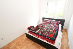 Спальня 2. Черногория, Сутоморе : Апартамент для 4-5 человек, с 2-мя отдельными спальнями, с балконом с видом на море