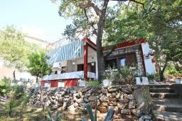Территория. Черногория, Сутоморе : Дом в Сутоморе (Брча), 10 отдельных спален, 8 ванных комнат, с большой кухней, с 2-мя террасами с видом на море, с местом для барбекю