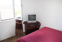 Черногория, Игало : Студия без балкона, 30 метров от пляжа