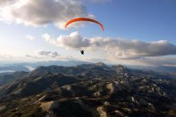Параглайдинг или парапланеризм - полёт на параплане : Черногория