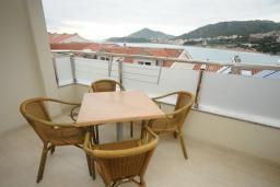 Балкон. Черногория, Рафаиловичи : Апартамент №502 с отдельной спальней и видом на море