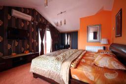 Черногория, Будва : Двухместный номер с балконом