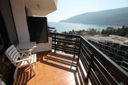 Черногория, Игало : Одноместный номер с балконом и видом на море
