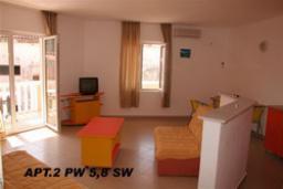 Гостиная. Черногория, Петровац : Апартамент с отдельной спальней на втором этаже (№5 APP 03+2)