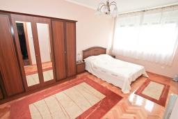 Спальня 2. Черногория, Котор : Апартамент для 4 человек, с 2-мя отдельными спальнями