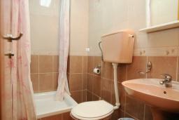 Ванная комната. Черногория, Будва : Студио с балконом (№2 Studio 02+1)