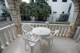 Терраса. Черногория, Будва : Апартамент с отдельной спальней и террасой (B3 App 03+1)