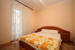 Спальня. Черногория, Будва : Апартамент с отдельной спальней в корпусе B (№7 APP 02+1)