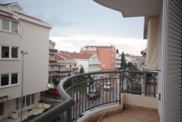 Балкон. Черногория, Будва : Апартамент с отдельной спальней в корпусе B (№7 APP 02+1)
