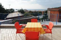 Балкон. Черногория, Петровац : Апартамент с отдельной спальней и видом на море (№2 APP 02+2/SV)