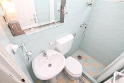 Ванная комната. Черногория, Мельине : Комната для 2 человек