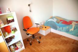Спальня 2. Черногория, Селяново : Роскошный апартамент для 6-8 человек, с огромной гостиной, с 4-мя отдельными спальнями, с террасой