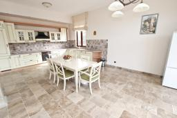 Kitchen. Montenegro, Petrovac : Villa with 5 bedrooms in Petrovac for 12 guests