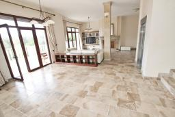 Living room. Montenegro, Petrovac : Villa with 5 bedrooms in Petrovac for 12 guests
