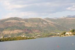 Вид. Черногория, Обала Джурашевича : Дом в Обала Джурашевича с гостиной, с 5 спальнями, с 4 ванными комнатами, с большой террасой с шикарным видом на море, с местом для барбекю, возле пляжа