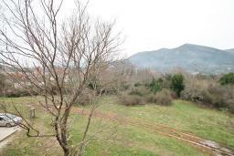 Вид. Продается квартира в Каваце. 72м2, гостиная, 2 спальни, 2 балкона, 2.5 км до моря, цена - 75'000 Евро. в Каваче