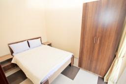Спальня. Продается квартира в Игало. 46м2, гостиная, 1 спальня, балкон с видом на море, 300 метров до моря, цена - 92'000 Евро.  в Игало