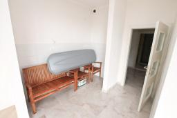 Гостиная. Продается квартира в Герцег-Нови, Топла. 58м2, гостиная, 2 спальни, балкон с видом на море, 400 метров до моря, цена - 120'000 Евро. в Герцег Нови