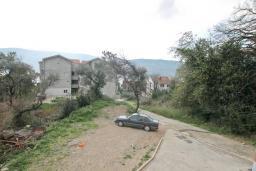 Вид. Продается квартира в Герцег-Нови, Топла. 43м2, гостиная, 1 спальня, балкон, 400 метров до моря, цена - 65'000 Евро. в Герцег Нови
