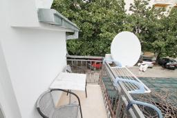 Балкон. Продается квартира-студия в Герцег-Нови, Савина. 18м2, балкон с видом на море, 60 метров до пляжа, цена - 52'000 Евро. в Герцег Нови