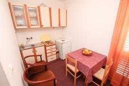 Студия (гостиная+кухня). Черногория, Нивице : Студия для 2 человек, с 2-мя балконами с шикарным видом на море, 30 метров до пляжа