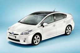 Toyota Prius 1.8 автомат : Черногория