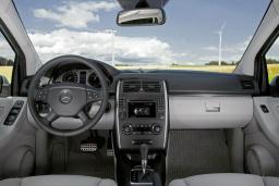 Mercedes B 200 2.0 автомат : Черногория