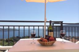 Balcony. Montenegro, Herceg-Novi : House with 4 bedrooms in Herceg-Novi for 10 guests