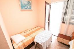 Студия (гостиная+кухня). Черногория, Зеленика : Студия для 3 человек, с балконом