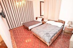 Студия (гостиная+кухня). Черногория, Игало : Студия для 4 человек, с террасой