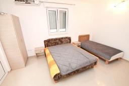 Студия (гостиная+кухня). Черногория, Игало : Студия для 3 человек, с террасой