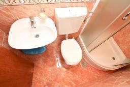 Ванная комната 2. Черногория, Дженовичи : Апартамент с отдельной спальней, с 2-мя ванными комнатами, с террасой