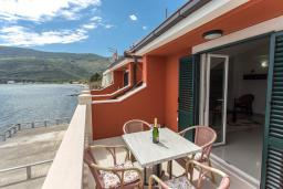 Balcony. Montenegro, Igalo : Apartment with 1 bedroom in Igalo