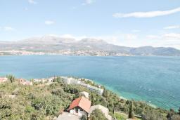 Вид на море. Продается квартира в Нивице. 39м2, гостиная, спальня, балкон с шикарным видом на море, 400 метров до пляжа, цена - 71'000 Евро. в Нивице
