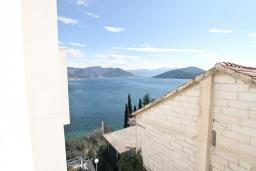 Вид на море. Продается квартира в Нивице. 36м2, гостиная, спальня, балкон с шикарным видом на море, 400 метров до пляжа, цена - 71'000 Евро. в Нивице
