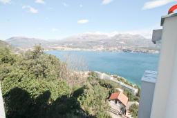 Вид на море. Продается квартира в Нивице. 68м2, гостиная, 2 спальни, большой балкон с шикарным видом на море, 400 метров до пляжа, цена - 160'000 Евро. в Нивице
