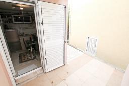 Терраса. Продается квартира в Нивице. 35м2, гостиная, спальня, терраса, 100 метров до моря, цена - 46'350 Евро. в Нивице