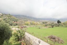 Вид. Черногория, Булярица : Люкс апартамент с гостиной, с отдельной спальней, с балконом с видом на горы