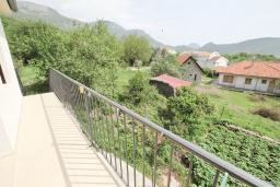 Балкон. Черногория, Булярица : Студия с балконом в 250 метрах от моря