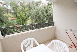 Балкон. Черногория, Петровац : Апартаменты на 2-4 персоны, с отдельной спальней, с балконом