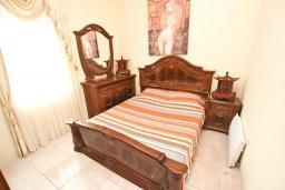 Спальня 2. Черногория, Сутоморе : Дуплекс апартамент для 4-5 человек, с большой гостиной и кухней, с 2-мя отдельными спальнями, с 2-мя балконами