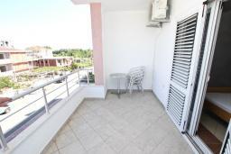 Балкон. Черногория, Велика плажа : Апартамент для 5 человек, с отдельной спальней