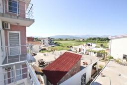 Вид. Черногория, Велика плажа : Апартамент для 5 человек, с отдельной спальней