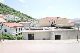 Вид. Черногория, Будва : Апартамент с 2-мя отдельными спальнями, с 2-мя балконами