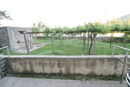 Терраса. Черногория, Игало : Студия для 2 человек, с террасой, 100 метров до пляжа