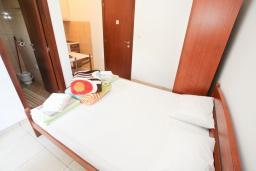 Студия (гостиная+кухня). Черногория, Булярица : Студия в Булярице с балконом
