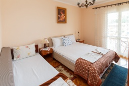Спальня. Черногория, Зеленика : Апартамент с 2-мя отдельными спальнями, с террасой